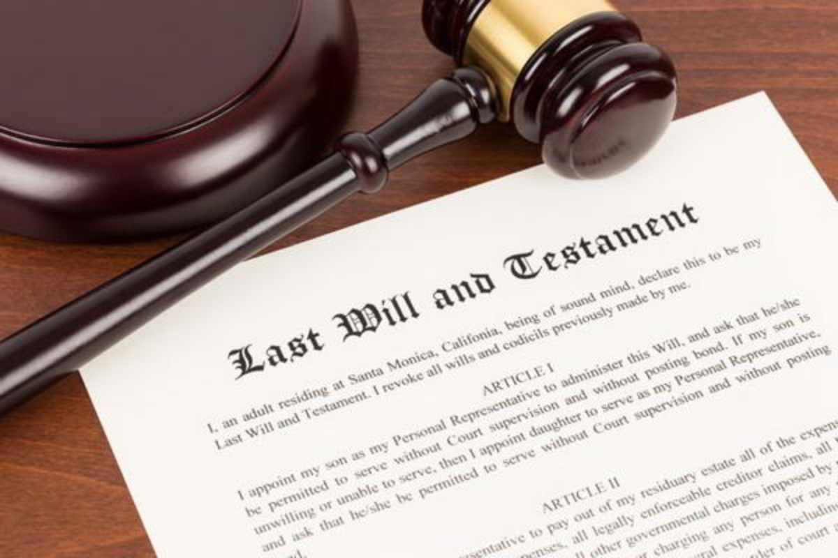 DO I NEED A LAWYER TO DRAFT MY WILL?